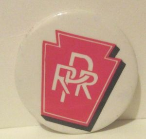 Vintage-1980s-Prr-Pennsylvania-Railroad-Train-Logo-Pinback
